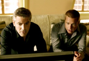 OCEAN'S TWELVE, George Clooney, Brad Pitt, 2004, (c) Warner Brothers/courtesy Everett Collection