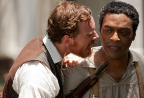 12 YEARS A SLAVE, from left: Michael Fassbender, Chiwetel Ejiofor, 2013, ph: Francois Duhamel/TM and Copyright ©Fox Searchlight Pictures. All rights reserved./courtesy Everett Collection
