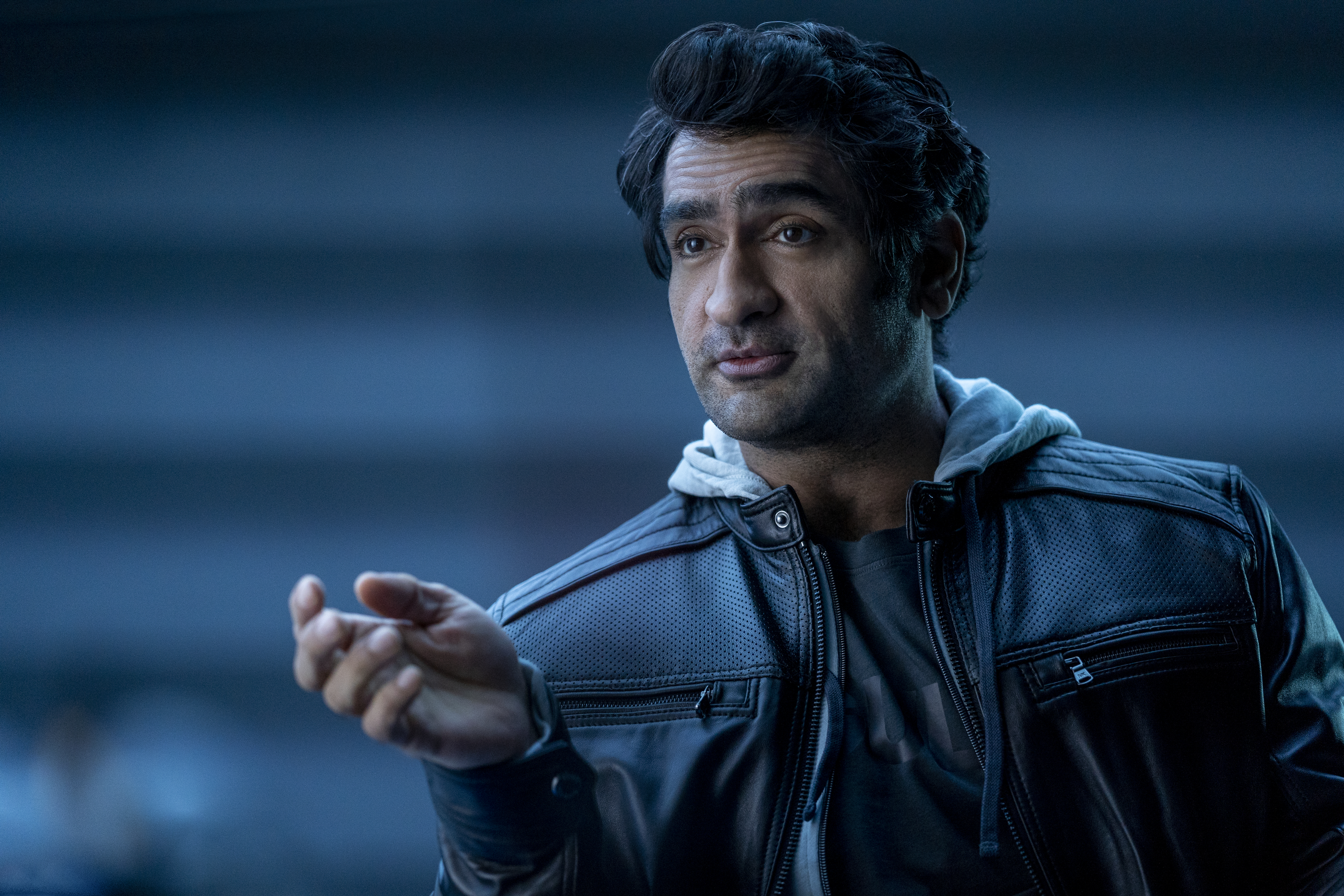 DEATH TO 2020 (L to R) KUMAIL NANJIANI as BARK MULTIVERSE in DEATH TO 2020 Cr. SAEED ADYANI/NETFLIX © 2020