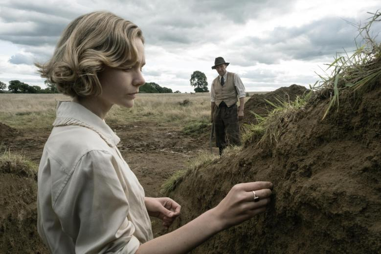 The Dig trailer - Carey Mulligan, Ralph Fiennes & Lily James in spades!