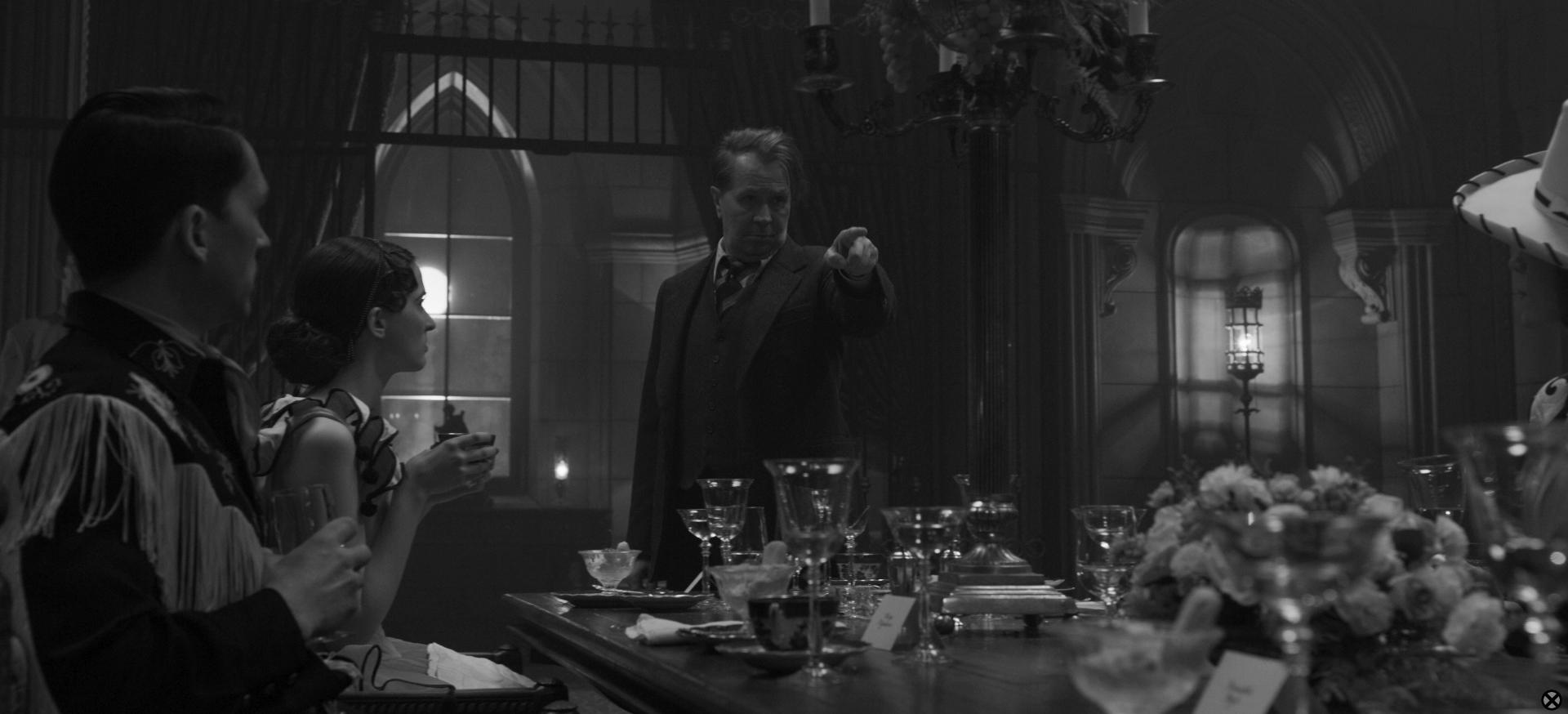 Mank: David Fincher Pal Steven Soderbergh Helped Flag a Tricky Scene |  IndieWire
