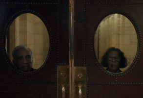 Pretend It's a City (L to R) Martin Scorsese as Martin Scorsese and Fran Lebowitz as Fran Lebowitz in episode 107 of Pretend It's a City Cr. COURTESY OF NETFLIX � 2020