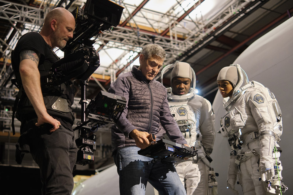 THE MIDNIGHT SKY (2020)Director George Clooney on set at Shepperton Studios with David Oyelowo and Tiffany Boone on the set of The Midnight Sky. Cr. Philippe Antonello/NETFLIX ©2020