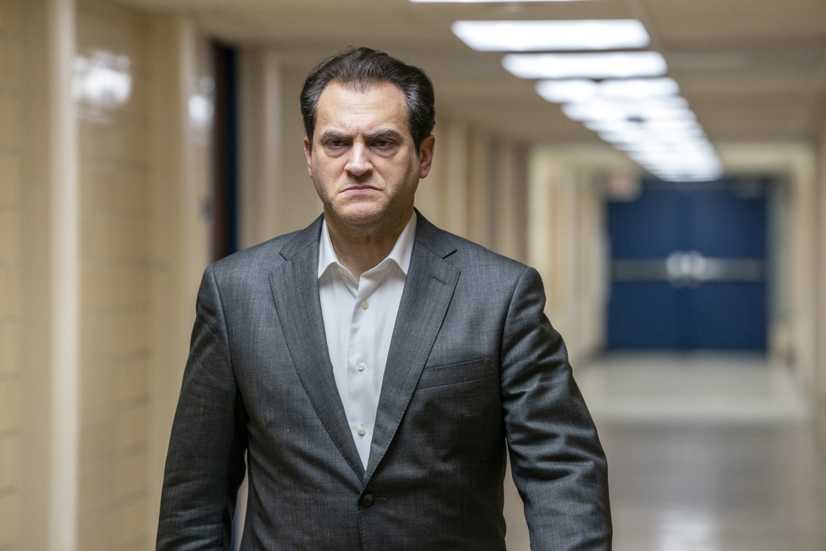 """Michael Stuhlbarg as Jimmy Baxter in YOUR HONOR, """"Part Two"""". Photo Credit: Skip Bolen/SHOWTIME."""