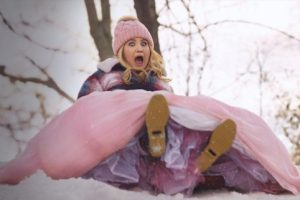 'Godmothered' Review: Isla Fisher and Jillian Bell Try to Bring Holiday Cheer to a Dull Alternative Fairy Tale