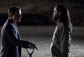 THE LITTLE THINGS, from left: Rami Malek, Jared Leto, 2021. ph: Nicola Goode / © Warner Bros. / Courtesy Everett Collection