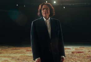 Pretend It's a City (L to R) Fran Lebowitz as Fran Lebowitz in episode 101 of Pretend It's a City Cr. COURTESY OF NETFLIX � 2020