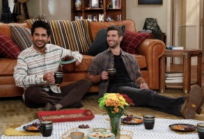 Adhir Kalyan as Al and Parker Young as Riley, from the CBS series United States of Al.  Photo Credit: Robert Voets/ 2020 Warner Bros. Entertainment Inc. All Rights Reserved.