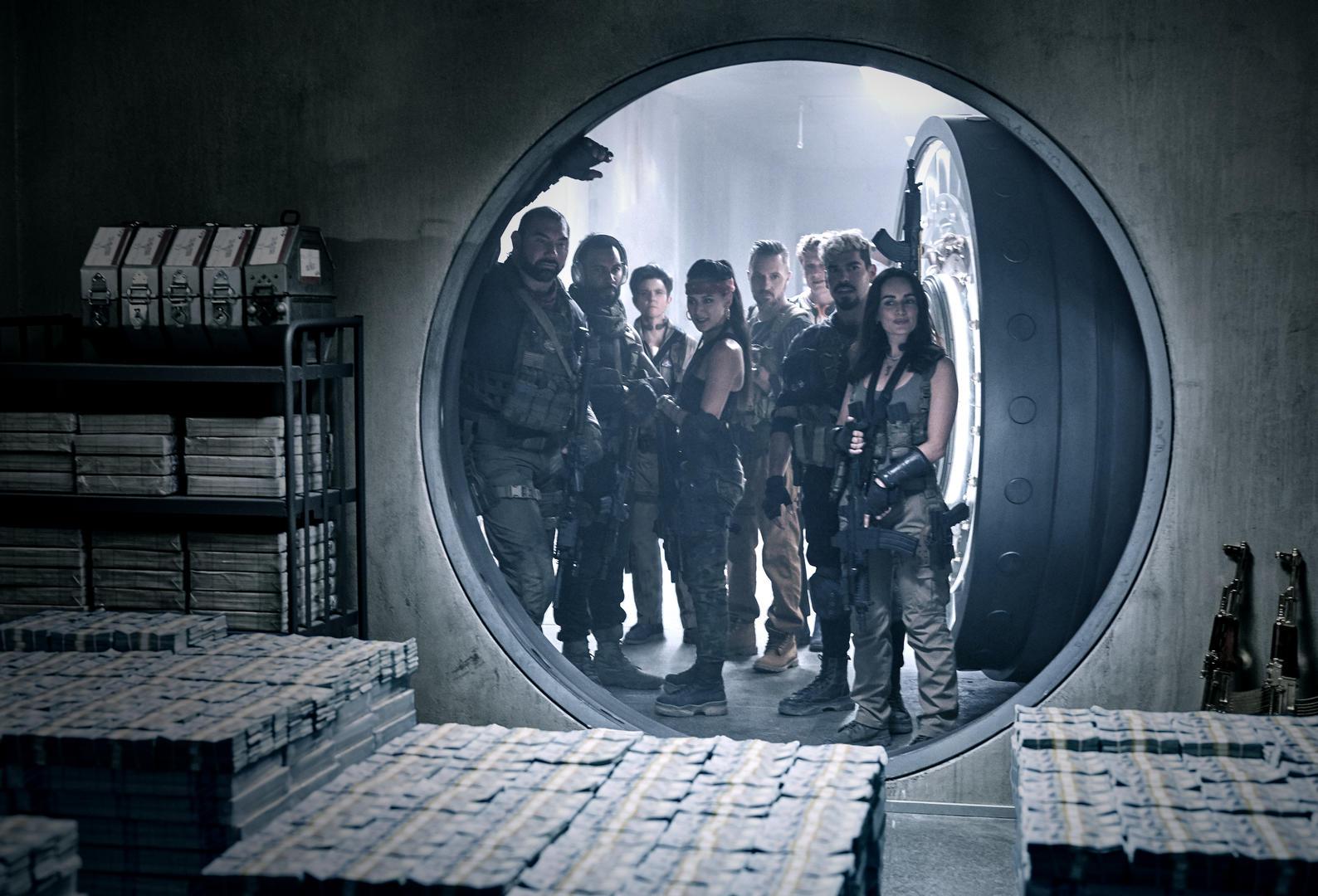 Новый облик «Армии мертвых»: эпическая серия «Вспышка зомби» Зака Снайдера попала в Netflix 21 мая