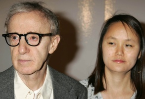 """File Photo by: RE/Westcom/STAR MAX/IPx200512/8/05Woody Allen and Soon-Yi Previn at the premiere of """"Match Point"""".(Los Angeles, CA)"""
