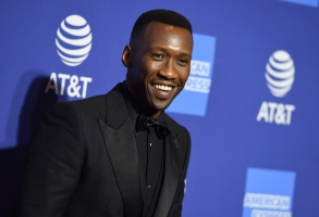 Mahershala Ali arrives at the 30th annual Palm Springs International Film Festival on Thursday, Jan. 3, 2019, in Palm Springs, Calif. (Photo by Jordan Strauss/Invision/AP)