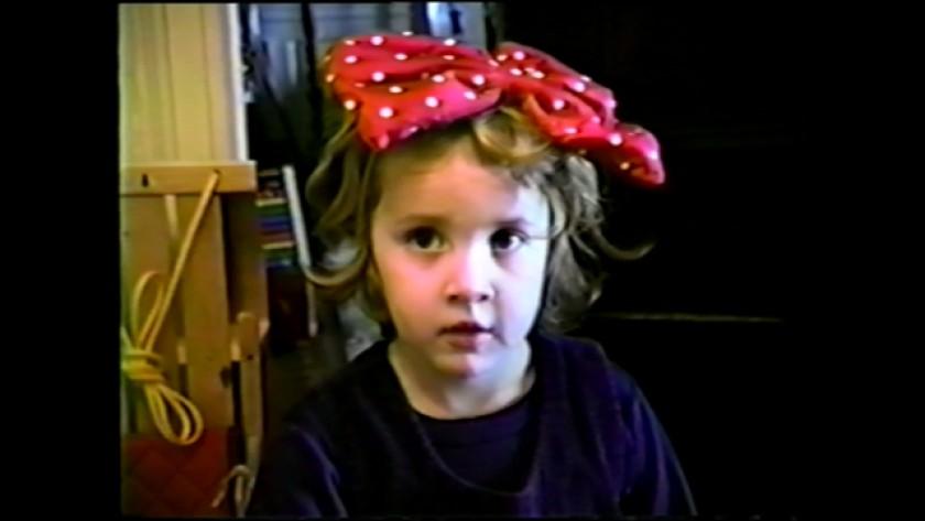 Дилан Фэрроу рассказывает о ранее не виденных кадрах, на которых она в возрасте 7 лет раскрывает предполагаемое насилие