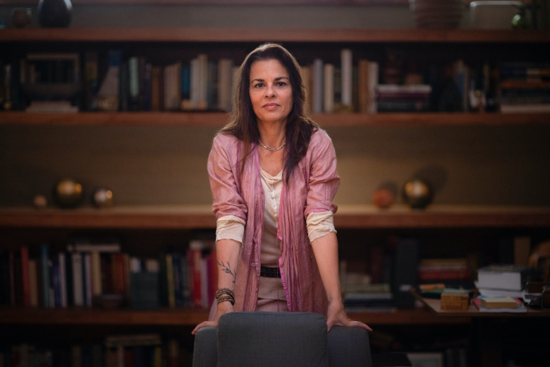 Orna Guralnik in COUPLES THERAPY. Photo Credit: Sean McGing/Courtesy of SHOWTIME.