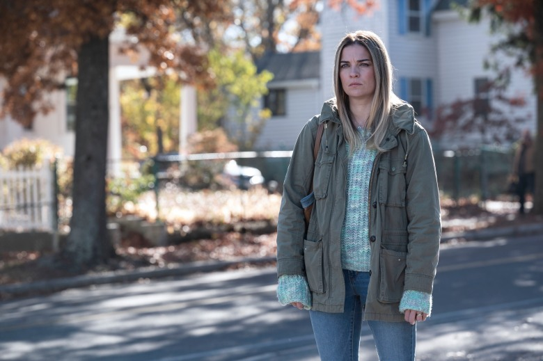 Annie Murphy as Allison - Kevin Can F*** Himself _ Season 1 - Photo Credit: Jojo Whilden/AMC