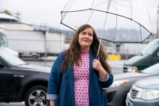 SHRILL -- Episode 302 -  Amadi sets Annie up on a disastrous blind date. Fran is sick of working from home and takes a job at a salon. Bill and Vera make a big announcement about their future. Annie (Aidy Bryant), shown. (Photo by: Allyson Riggs/Hulu)