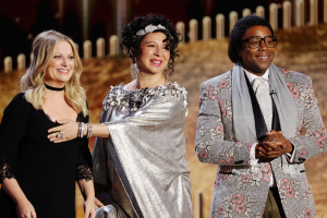 Maya Rudolph and Kenan Thompson Crash Golden Globes as Touchy-Feely Composers