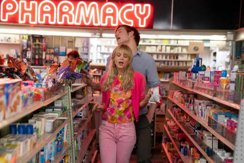 """Carey Mulligan (front) stars as """"Cassandra"""" and Bo Burnham (back) stars as """"Ryan"""" in director Emerald Fennell's PROMISING YOUNG WOMAN, a Focus Features release. Credit : Merie Weismiller Wallace / Focus Features"""