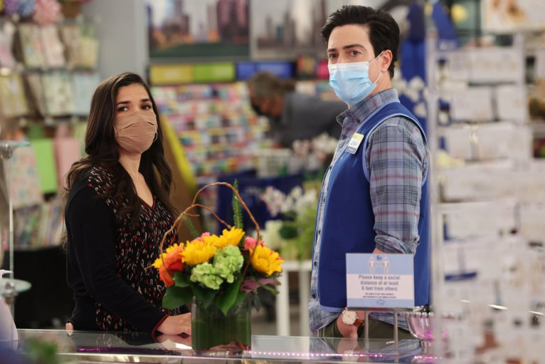 "SUPERSTORE -- ""Perfect Store"" Episode 614 -- Pictured: (l-r) America Ferrera as Amy, Ben Feldman as Jonah -- (Photo by: Jordin Althaus/NBC)"
