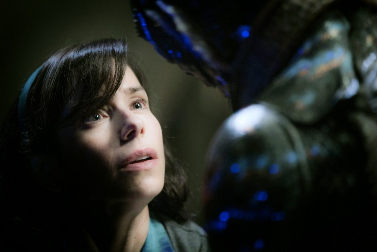 THE SHAPE OF WATER, from left: Sally Hawkins, Doug Jones, 2017. ph: Kerry Hayes/ TM & © Fox Searchlight Pictures. All Rights reserved. /Courtesy Everett Collection