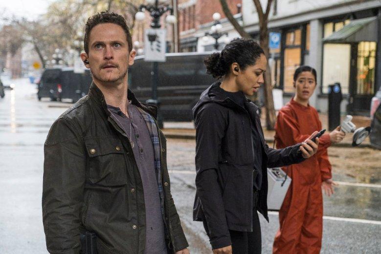 "DEBRIS -- ""Earthshine"" Episode: 105 -- Pictured: (l-r) Jonathan Tucker as Bryan Beneventi, Riann Steele as Finola Jones -- (Photo by: James Dittiger/NBC)"