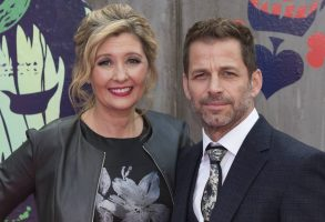 Deborah Snyder and Zack Snyder attend Suicide Squad film premiere at Leicester Square in London. 03/08/2016 | Verwendung weltweit Photo by: Ik Aldama/picture-alliance/dpa/AP Images