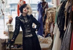 CRUELLA, Emma Stone as Cruella de Vil, 2021. © Disney+ / Courtesy Everett Collection