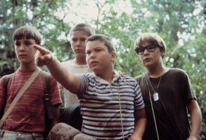 STAND BY ME, Wil Wheaton, River Phoenix, Jerry O'Connell, Corey Feldman, 1986. (c)Columbia Pictures. Courtesy: Everett Collection