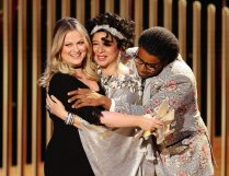 78th ANNUAL GOLDEN GLOBE AWARDS -- Pctured: (l-r) Amy Poehler, Maya Rudolph, and Kenan Thompson at the 78th Annual Golden Globe Awards held at the Beverly Hilton Hotel on February 28, 2021. -- (Photo by: Christopher Polk/NBC)