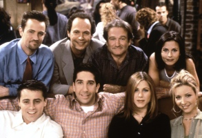 FRIENDS, (top row, from left): Matthew Perry, Billy Crystal, Robin Williams, Courteney Cox, (bottom): Matt LeBlance, David Schwimmer, Jennifer Aniston, Lisa Kudrow, 'The One With The Ultimate Fighting Champion', (Season 3, aired May 8, 1997), 1994-2004, © Warner Bros. / Courtesy: Everett Collection