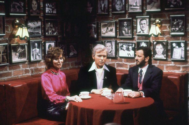 SATURDAY NIGHT LIVE, from left: Barbara Bach, Billy Crystal (as Fernando Lamas), Ringo Starr, 'Fernando's Hideaway', (Season 10, ep. 1008, aired Dec. 8, 1984), 1975-. photo: Alan Singer / ©NBC / Courtesy: Everett Collection.