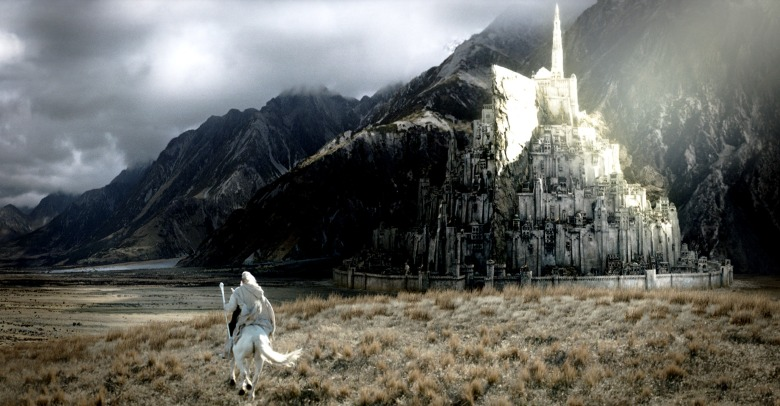 THE LORD OF THE RINGS: THE RETURN OF THE KING, Ian McKellen, 2003, (c) New Line/courtesy Everett Collection