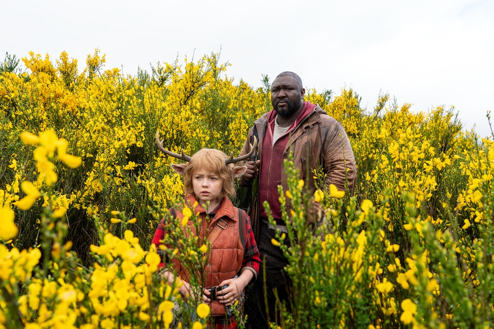 SWEET TOOTH (L to R) CHRISTIAN CONVERY as GUS and NONSO ANOZIE as TOMMY JEPPERD in episode 102 of SWEET TOOTH Cr. KIRSTY GRIFFIN/NETFLIX © 2021