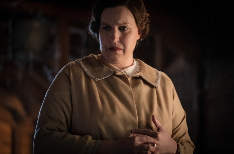 Pictured: Allison Tolman as Alma of the Paramount+ series WHY WOMEN KILL Photo Cr: Nicole Wilder ©2021 Paramount+, Inc. All Rights Reserved.