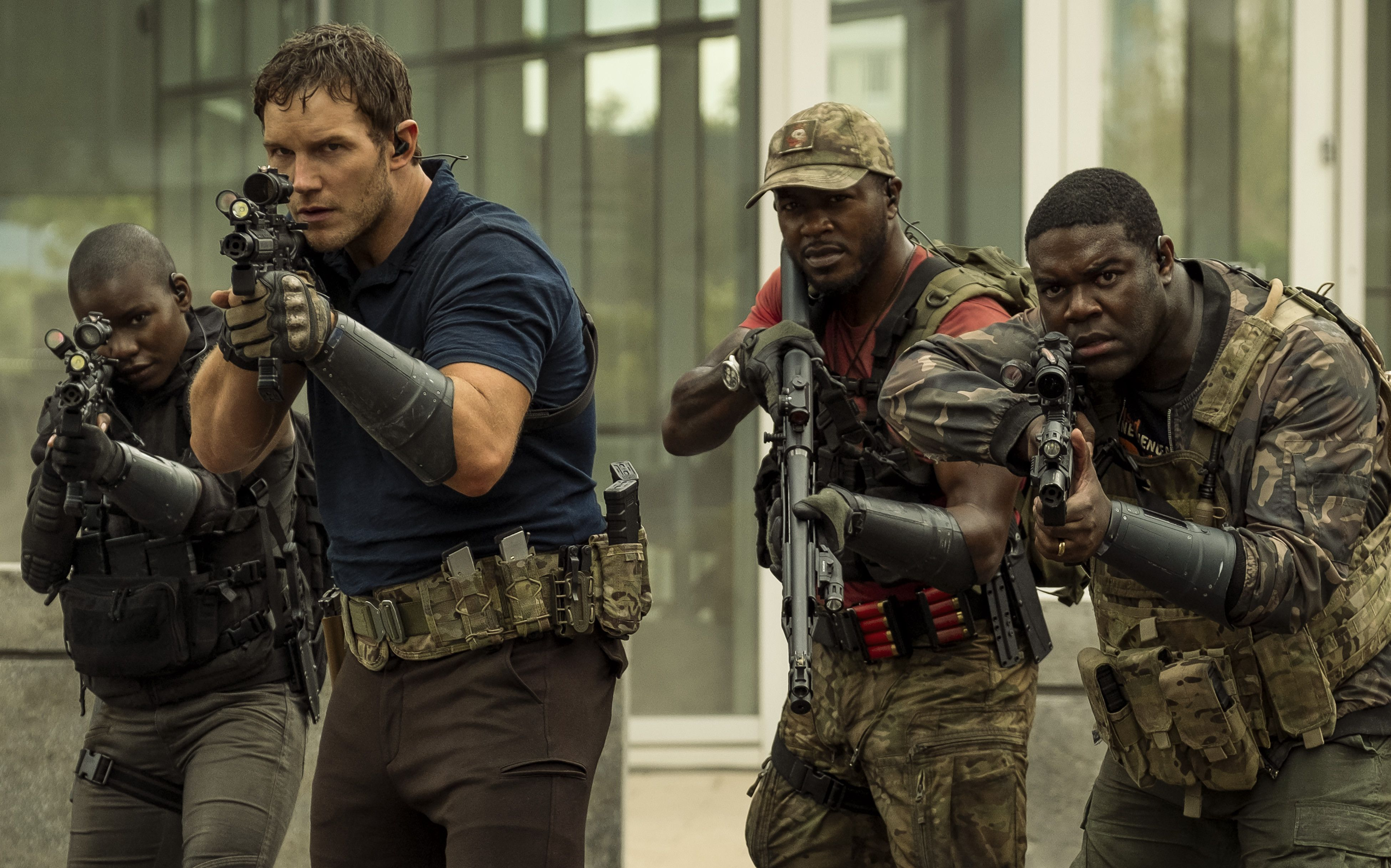 The Tomorrow War Review: A Bland Chris Pratt Fights the Future | IndieWire