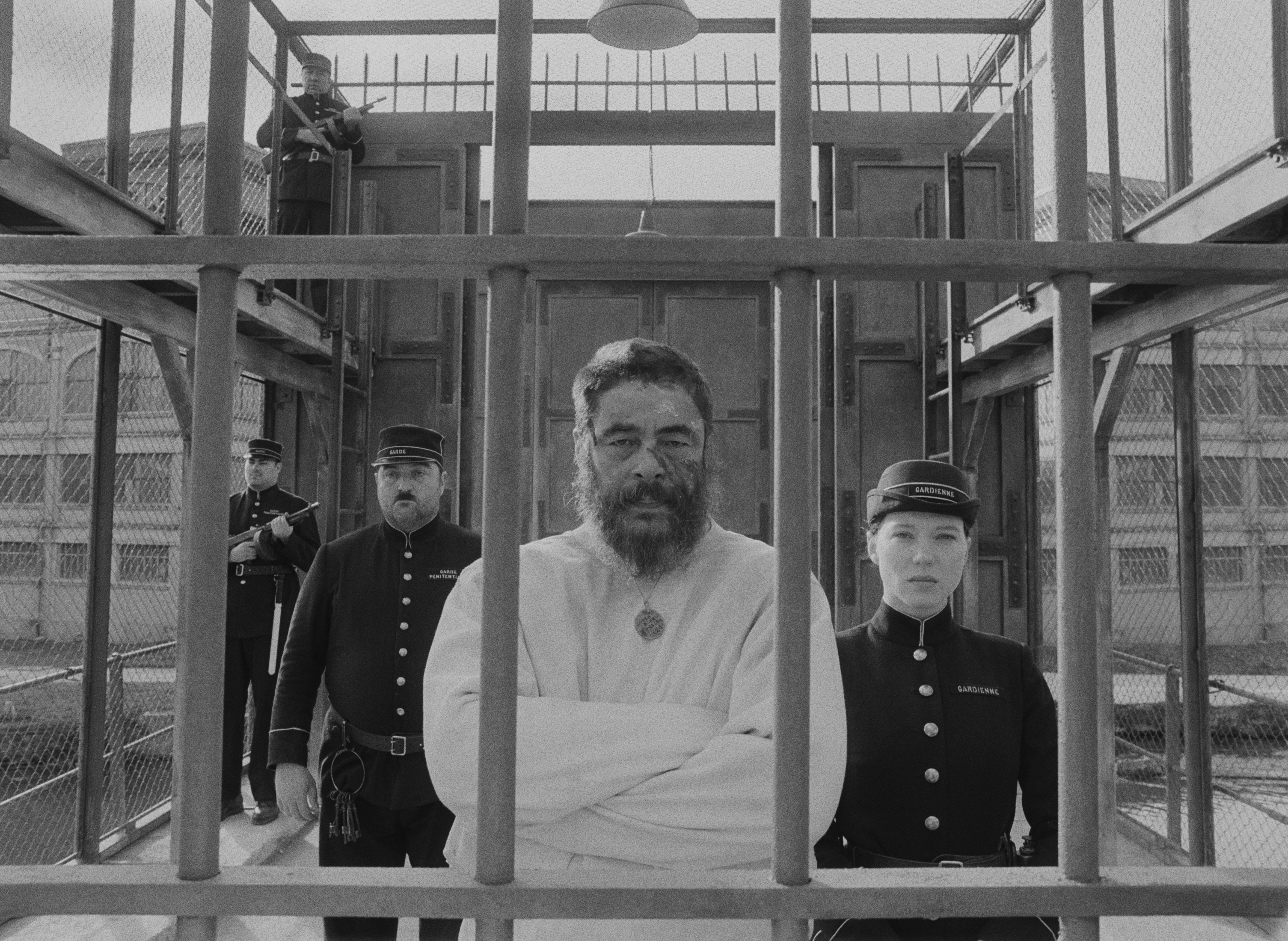 THE FRENCH DISPATCH.Benicio del Toro and Léa Seydoux Photo Courtesy of Searchlight Pictures. © 2021 20th Century Studios All Rights Reserved