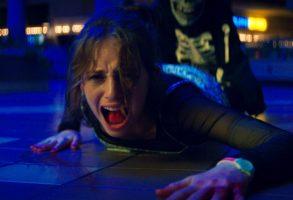FEAR STREET PART 1: 1994 - (Pictured) MAYA HAWKE as HEATHER. Cr: Netflix © 2021
