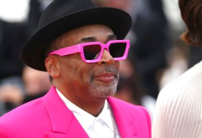 Jury president Spike Lee poses for photographers upon arrival at the premiere of the film 'Annette' and the opening ceremony of the 74th international film festival, Cannes, southern France, Tuesday, July 6, 2021. (Photo by Vianney Le Caer/Invision/AP)