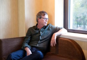 Director Todd Haynes poses for a portrait on Monday, Nov. 16, 2015, in New York. (Photo by Amy Sussman/Invision/AP)