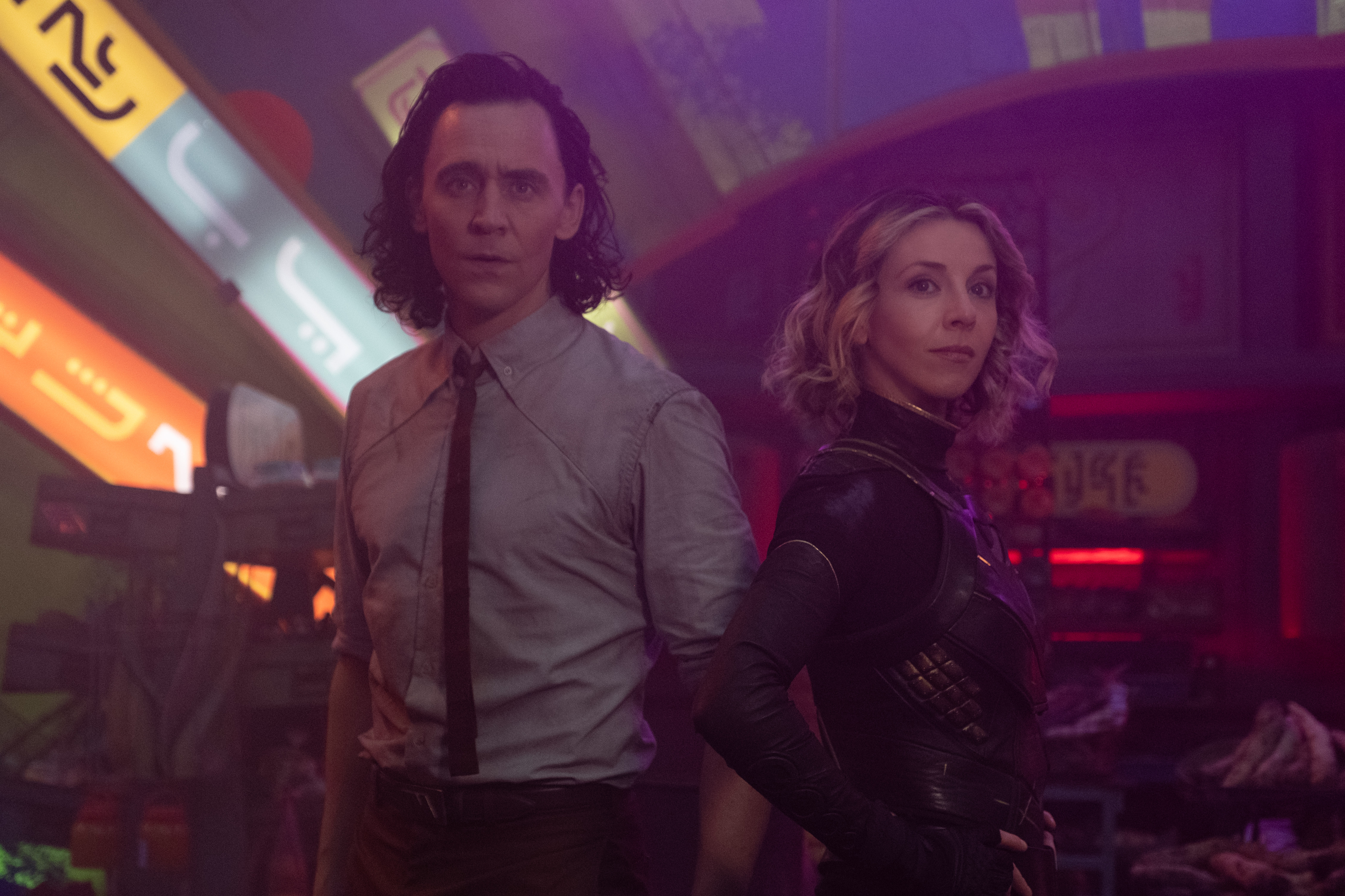 (L-R): Loki (TomHiddleston) and Sophia Di Martino in Marvel Studios' LOKI, exclusively on Disney+. Photo by Chuck Zlotnick. ©Marvel Studios 2021. All Rights Reserved.