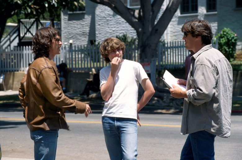 ALMOST FAMOUS, (l to r) Billy Crudup, Patrick Fugit, director Cameron Crowe, 2000.