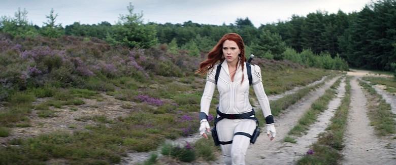 BLACK WIDOW, Scarlett Johansson as Black Widow, 2021.  © Walt Disney Studios Motion Pictures / © Marvel Studios / Courtesy Everett Collection