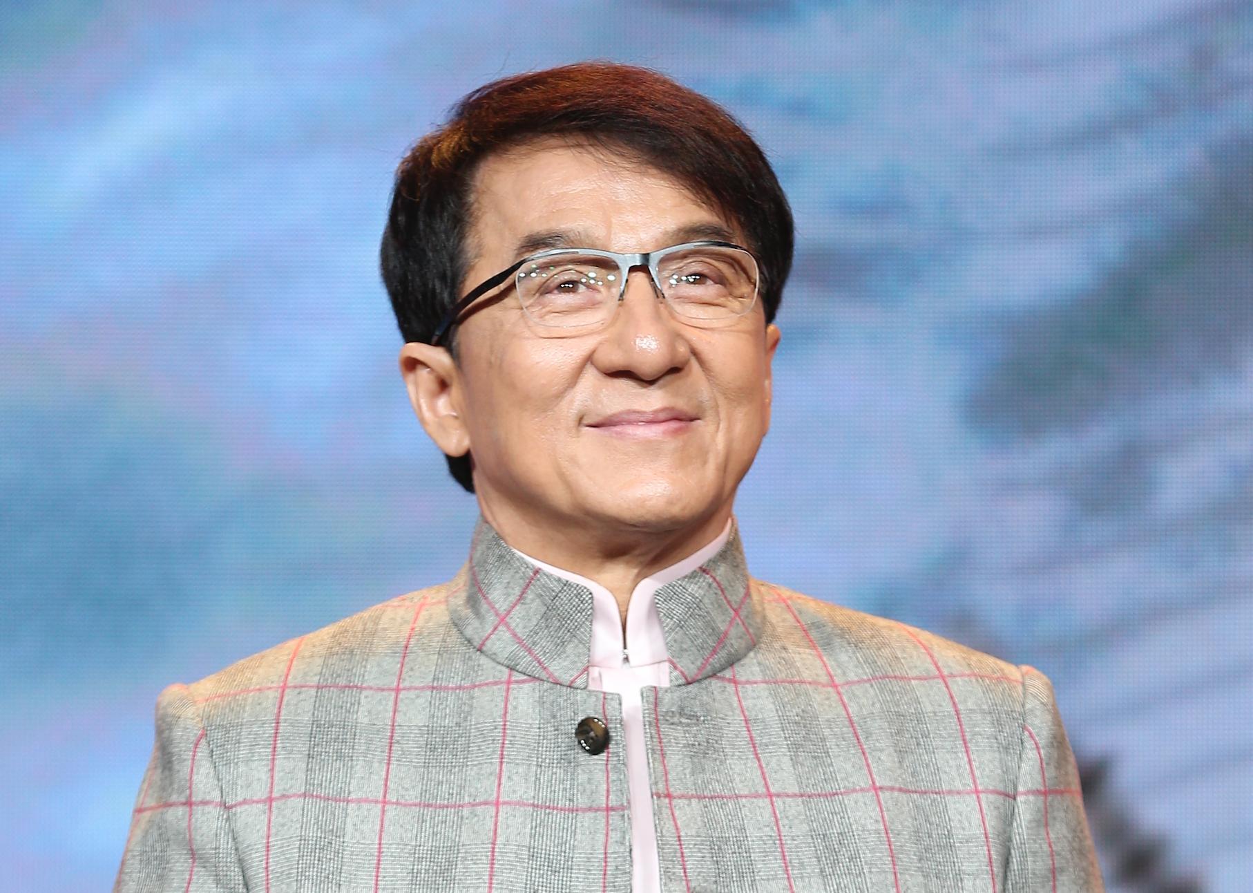Jackie Chan - BiographyFlash.com