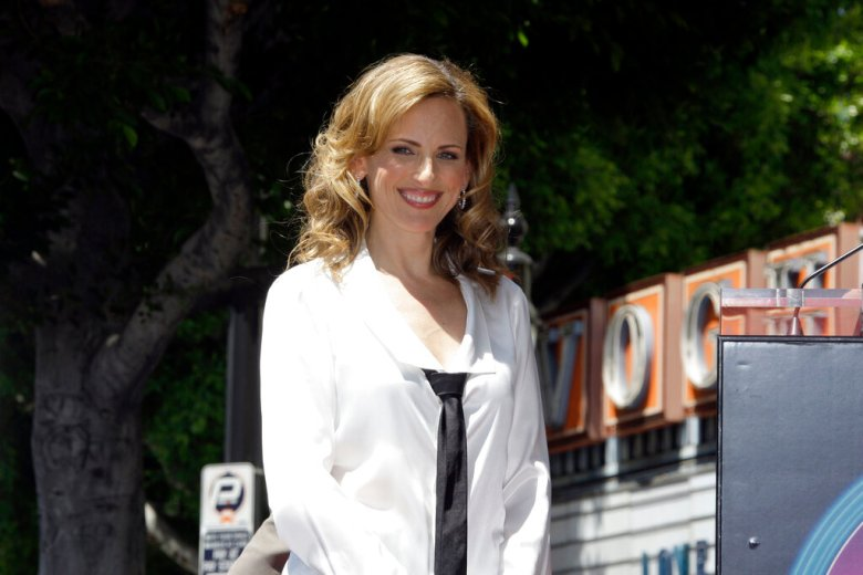 Actress Marlee Matlin, who is hearing-impaired, is seen during dedication ceremonies for her new star on the Hollywood Walk of Fame in Los Angeles Wednesday, May 6, 2009.  (AP Photo/Reed Saxon)
