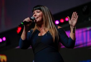 SP - Sao Paulo - 12/07/2019 - Comic Con Experience - CCXP 2019 Sao Paulo - Wonder Woman director 1984, MM84, Patty Jenkins during the panel of the new DC heroine feature, which took place at the Cinemark XD auditorium in CCXP 2019 last day at the Sao Paulo Expo. The film is scheduled for release in June 2020. Photo: Suamy Beydoun / AGIF (via AP)