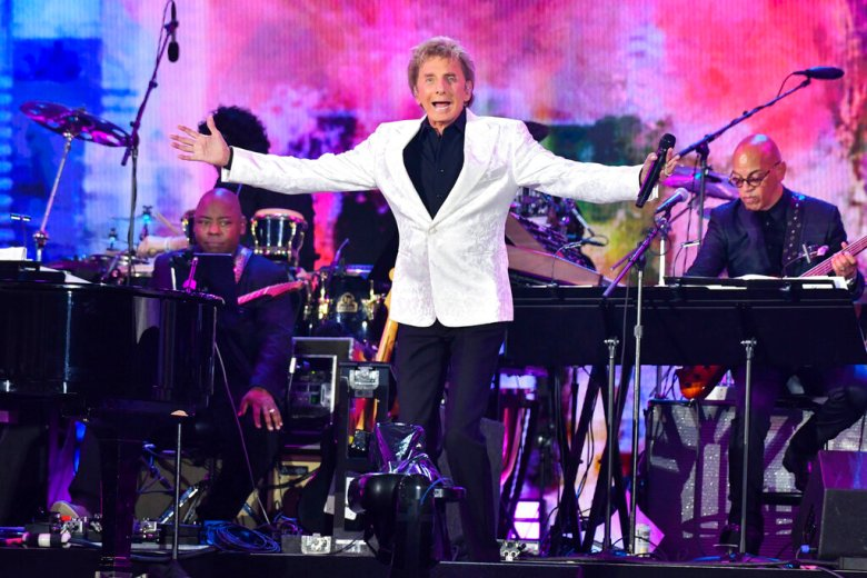 Photo by: NDZ/STAR MAX/IPx 2021 8/21/21 'WE LOVE NYC: The Homecoming Concert' in Central Park in New York City. Here, Barry Manilow