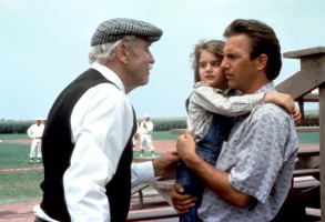 FIELD OF DREAMS, Burt Lancaster, Gaby Hoffman, Kevin Costner, 1989