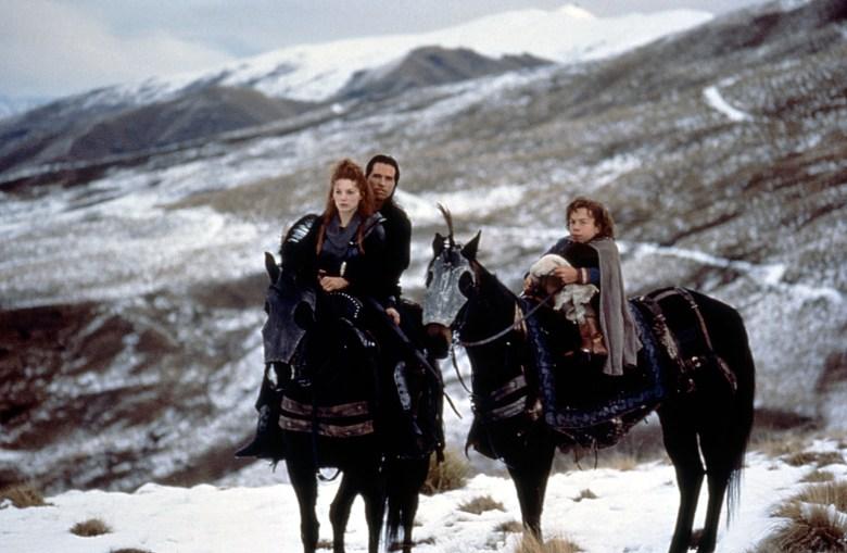 WILLOW, Joanne Whalley, Val Kilmer, Warwick Davis, 1988, (c) MGM/courtesy Everett Collection