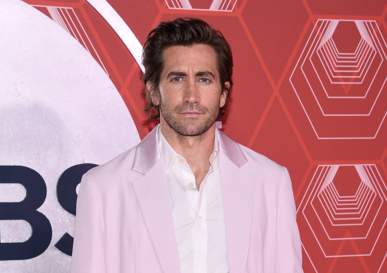 Jake Gyllenhaal arrives at the 74th annual Tony Awards at Winter Garden Theatre on Sunday, Sept. 26, 2021, in New York. (Photo by Evan Agostini/Invision/AP)