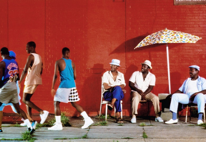DO THE RIGHT THING, Paul Benjamin (center), Robin Harris (2nd from right), Frankie Faison (right), 1989, © Universal/courtesy Everett Collection