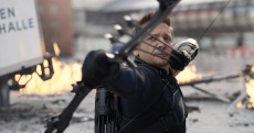 CAPTAIN AMERICA: CIVIL WAR, Jeremy Renner, as Hawkeye, 2016. TM & © 2016 Marvel. All rights reserved. / © Walt Disney Studios Motion Pictures / courtesy Everett Collection